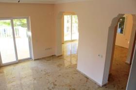 Image No.10-6 Bed Villa for sale