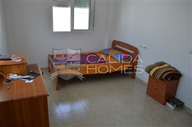 Image No.8-3 Bed Duplex for sale