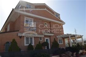 Image No.0-Maison de ville de 7 chambres à vendre à Murcie