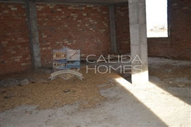Image No.15-8 Bed House for sale