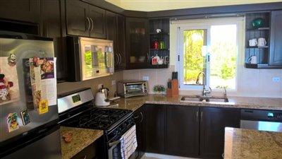 9-kitchen1