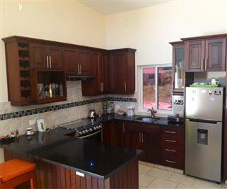 2-kitchen1