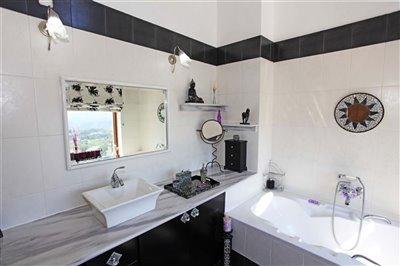 en-suitebathroom-1533036740