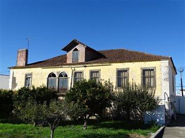 1 - Cernache do Bonjardim, Villa
