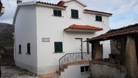 Castanheira de Pêra, Villa