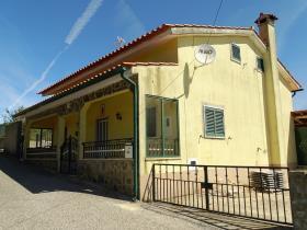 Image No.2-Maison de campagne de 3 chambres à vendre à Pedrógão Grande