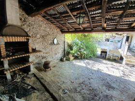 Image No.8-4 Bed Farmhouse for sale
