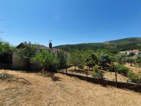 Image No.25-4 Bed Farmhouse for sale
