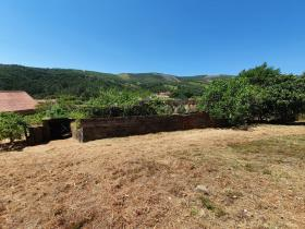 Image No.26-4 Bed Farmhouse for sale