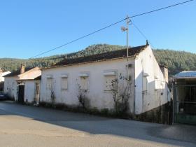 Image No.0-Chalet de 3 chambres à vendre à Figueiró dos Vinhos