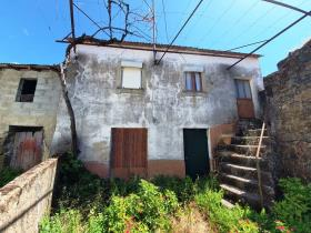 Image No.0-Chalet de 2 chambres à vendre à Castanheira de Pêra