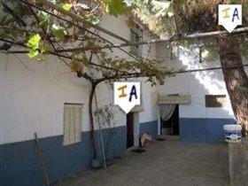 Image No.0-Ferme de 4 chambres à vendre à Mures