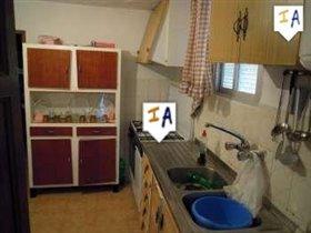 Image No.5-Ferme de 4 chambres à vendre à Mures