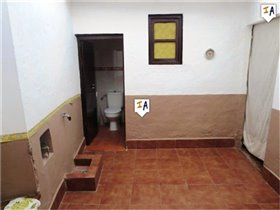 Image No.6-3 Bed House for sale