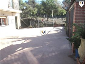 Image No.1-3 Bed Commercial for sale