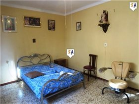 Image No.3-4 Bed House for sale