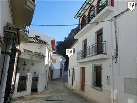Almedinilla, House