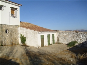 Image No.8-4 Bed Country Property for sale