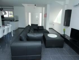 Image No.3-Villa de 4 chambres à vendre à Ovacik