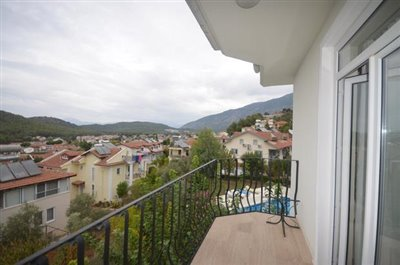 6b--lounge-balcony-views_resize