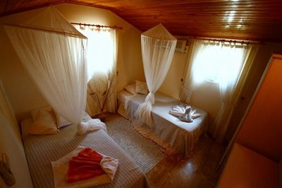 13--twin-bed-owners-pic_resize