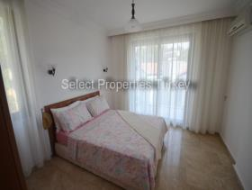 Image No.24-3 Bed Villa / Detached for sale
