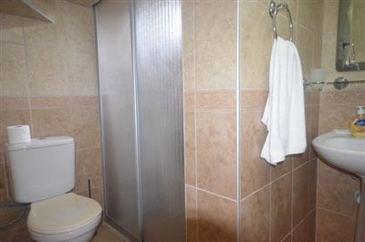 12--bathroom-two-lower-level_resize