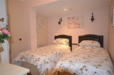 13a--bedroom-one_resize