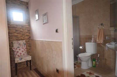 15c--dressing-and-ensuite_resize