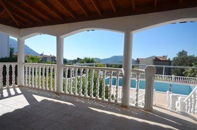 16a--lounge-balcony_resize