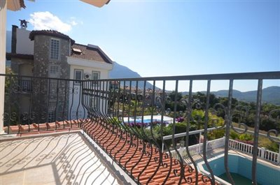 21--bedroom-one-balcony_resize