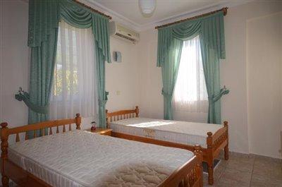 24--bedroom-three-first-floor_resize