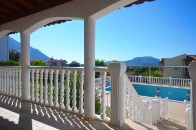 7--balcony-view