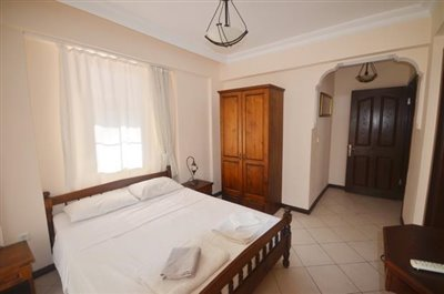 15a--bedroom-three-with-ensuite_resize
