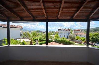 12--upper-terrace-balcony_resize