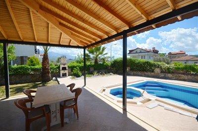 16--dining-terrace-balcony_resize