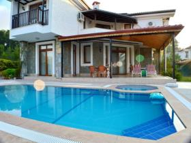 Image No.19-4 Bed Villa / Detached for sale
