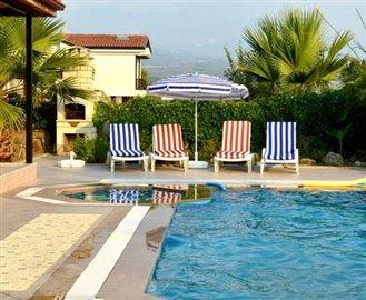 21--Sun-Loungers--pool_resize