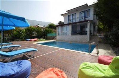 2--3-bedroom-villa
