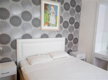 9--master-bedroom