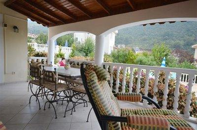 5e--dining-balcony_resize