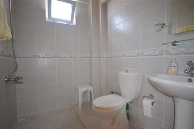 13--ensuite-bedroom-two_resize
