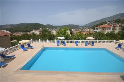 2--pool-with-mountain-views_resize