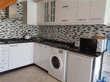 4a--modern-refitted-kitchen_resize-jpgjpg