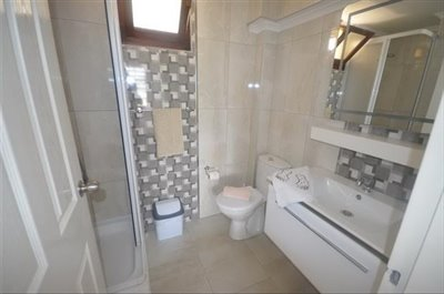 9--ensuite-bedroom-two_resize