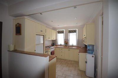 5--villa-one-kitchen