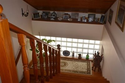 15--stairs-to-master-bedroom_resize