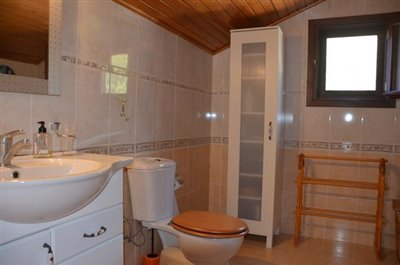 19--bathroom-one_resize