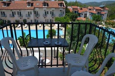 8--lounge-balcony_resize