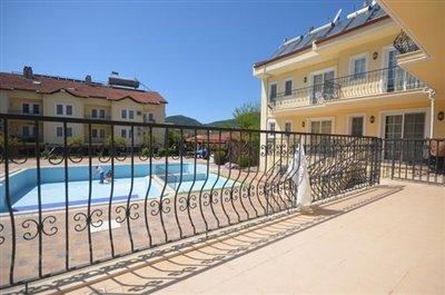6--dining-terrace-balcony-off-lounge_resize